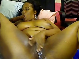 任何色情影片黑喷贱人饲料成年人业余的乳房