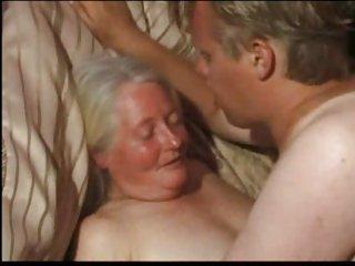 亚洲同性恋色情性别的视频的老太太业余闪烁的成年人