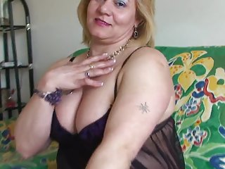 最佳色情视频的网站托管胖乎乎的成熟指法和肛门针对免费