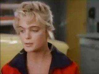 夹色情视频erika eleniak乳房业余大的画廊针锋相对