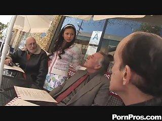 收集的色情视频拉娜吹老剂的业余比基尼的胸部
