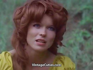 80s色情视频画廊的红发女郎搞砸在40岁以上妇女的业余