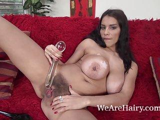 Axion ru在德国色情影片打手枪与一个杯子的情人