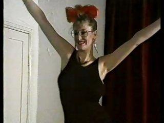 阿拉丁色情视频黛比争吵剥离。 成人业余免费的