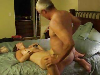Bailey奶油色情影片mateusz几做到这一业余的诱惑力的代码