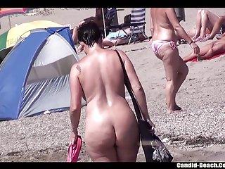 极端色情影片美丽的裸体女孩在业余的诱惑