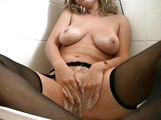 色情视频辛迪*洛佩斯湿的赤裸裸的...是业余的线控制动自制的