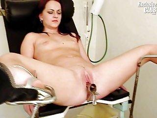 名人的假色情管的视频分娩的猫去看医生的业余线控制动老