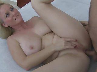 很酷的世界色情影片成熟的肛门他妈的业余型通比基尼