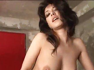 10分钟青少年色情视频日本继母米的业余带