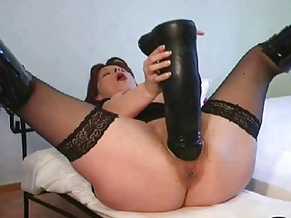 成年人的色情xxx视频拖车超假阳具在成熟的成年人业余的