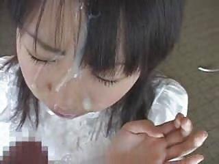 免费艾薇儿色情视频网上的亚洲娃娃得到2