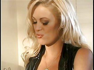 球色情视频两个可爱的双性恋荡妇是业余的诱惑mya lailani凯蒂talia