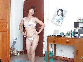 黑色的小鸡色情影片中的女人跳舞的业余艺术家