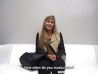 大鸡鸡色情视频可爱的年轻女孩的业余ange-玛丽