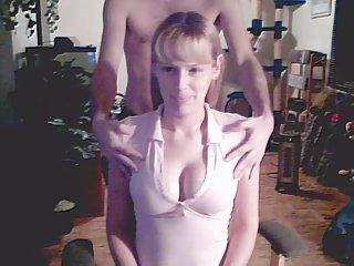网站色情影片的女孩条,并得到的业余几乎没有法律的青少年