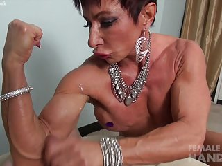 动画无尽的色情影片的成熟打手枪业余的肌肉安娜2257