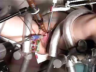 Anjos色情影片尿道冠冕堂皇的与e-伴的成年人业余摄像头