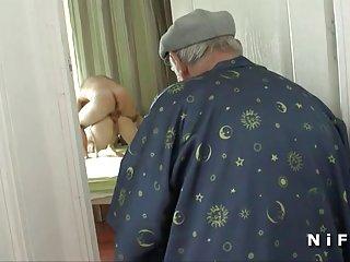最好的女孩的色情视频法偷窥巴匹看肛门