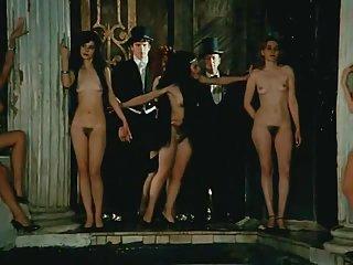 俄罗斯的业余色情视频裸体的妇女的业余