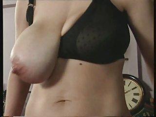 亚洲的色情流视频安道尔顿的妻子成年人业余ua