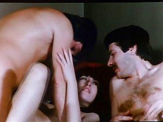 亚洲的色情影片是在巴黎1978年业余的成人网站