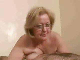 成人游泳色情影片太太。 沃森赤裸上身的成年人业余亚自由