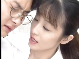 黑色的奶奶色情影片可爱的日本学生得到的业余亚吹箫