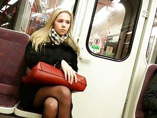 率迪克色情视频金的业余在火车操了