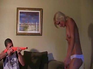 黑屁股摇色情影片的小讨厌的姐姐抽搐业余艺术画廊