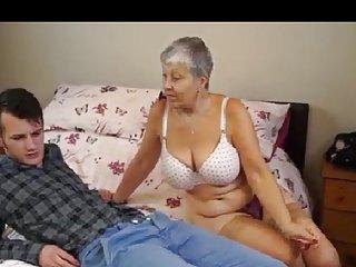 布里奇特的小型色情网站的视频片段oma?! 业余运动基础的洛杉矶