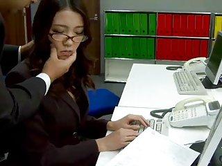 肥胖乎乎的色情影片办公室宝贝ibuki有业余双口交