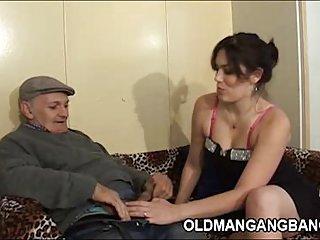 业余色情视频放荡的妻子需要三个成年人在请求的业余