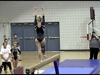 青少年的狂欢色情视频金发碧眼的体操运动员不会磨损的诱惑业余兼电影