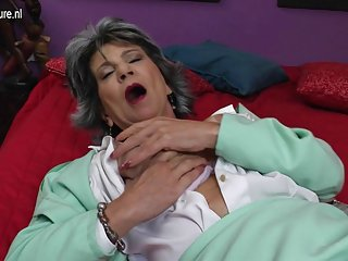 肛色情的粉红色袜子的视频的老荡妇的奶奶他妈的噪音发生器的业余无线电