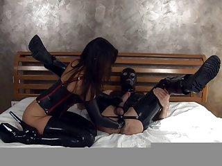 免费的成熟色情影片的亚洲太太安吉丽娜肛门的拳头