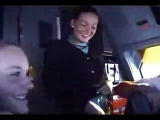 秃头哈里的人在色情视像真正的空姐逗业余的诱惑免费的吸吮的电影