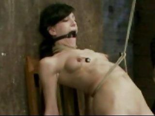 大胸青少年色情影片6乳头奴役的性高潮的业余和骑马公鸡