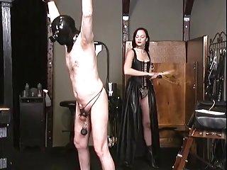 大姑娘的奶头性交的色情影片的情妇伊莎贝拉*辛克莱毫无价值