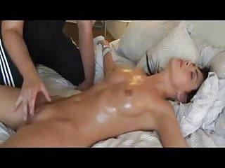 色情视频网上的按摩de阴蒂阴蒂业余成熟的宝贝