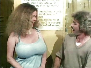眼镜蛇色情影片swenson70年代电影业余的自然大奶